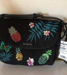 DESIGUAL nova črna torbica z etiketo original