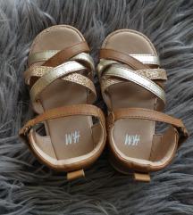 H&M sandalčki št.22