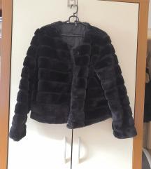 Krznena črna fur jakna