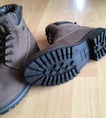 Zimski usnjeni čevlji nepremočljivi, enkrat nošeni