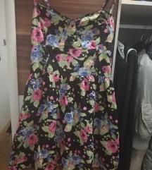Rožnata poletna obleka
