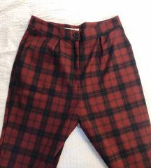 Karo Pull&Bear hlače