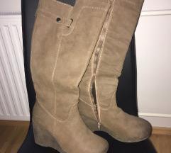 Usnjeni ženski škornji
