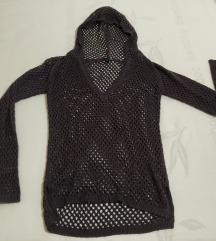 Temno vijoličen pulover