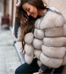 Jakna iz pravega krzna (polarna lisica) MPC 720€