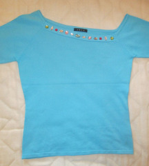 Majica z asimetričnim ovratnikom