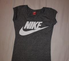 Nike kratka majica s-m