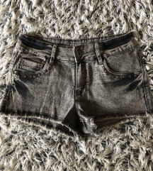 Sive kratke hlače 38!
