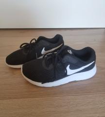 Nike superge št.34