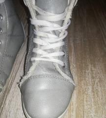 Dekliški škornji / superge 30