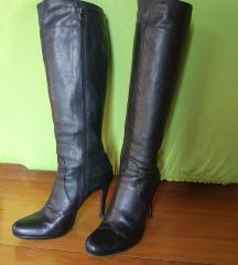 Italijanski usnjeni črni škornji s peto