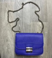 Majhna modra torbica