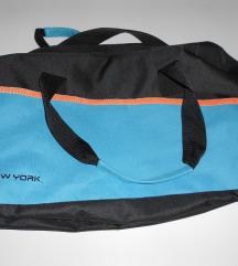 Športna torba oz potovalka