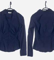 Temno modra srajca