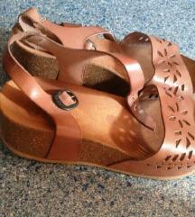 Usnjeni Kickers sandali