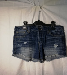 4 pari kratkih hlač