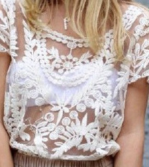 Crochet bel čipkast top