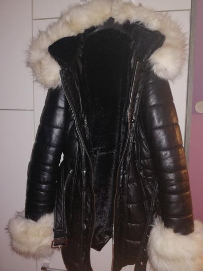 Daljša podložena jakna