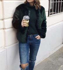 Zelena jakna iz umetnega krzna