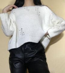 Bel trendy pulover s perlami S