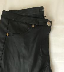 Oprijete usnjene hlače