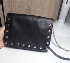 Forever21 črna torbica