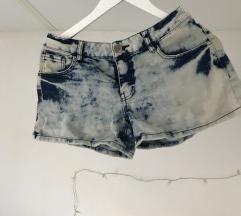 Svetlo modre kratke hlače