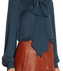 Modra srajca bow