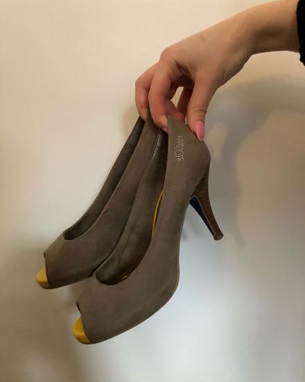 Čevlji/ visoke pete