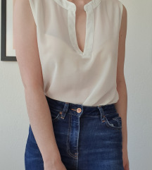 Daljša bela bluza