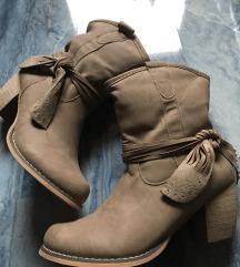 Pol škornji