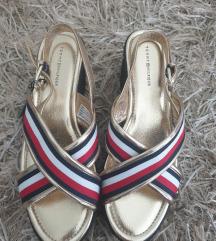 Tommy Hilfiger novi usnjeni sandalI