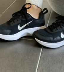 NOVI Nike superge 39