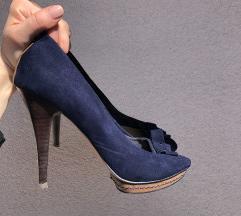 Peep toes čevlji s peto