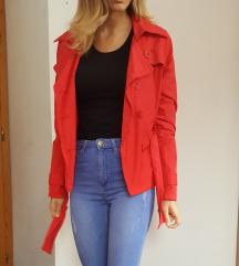 Rdeča jakna