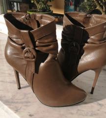 Škornji s petko