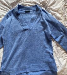 Nežno moder pulover