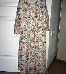 rožnata oblekica