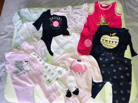 Oblačila za dojenčka + nova previjalna podloga