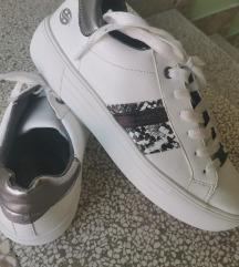 Čevlji DOCKERS