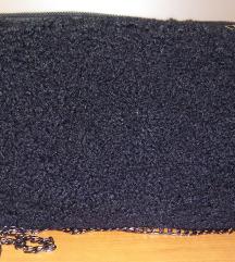 Črna kosmata nova torbica