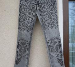 Nove jeans kavbojke s potiskom