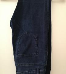 Jeans oprijete z visokim pasom vel. 38 ptt v ceni