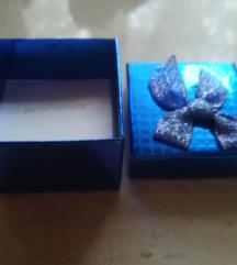 Skatla za shranjevanje ali kot darilo