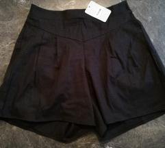 Črne kratke hlače- videz platna- NOVO
