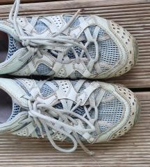 Merrell pohodni čevlji št. 37