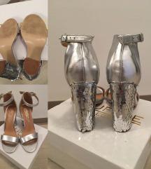 Srebrni sandali z visoko peto