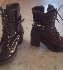Čevlji s peto zadnja cena 20 eur (prej 50)