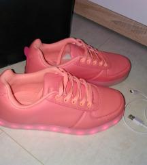Čevlji z lučkami
