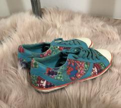 Desigual čevlji
